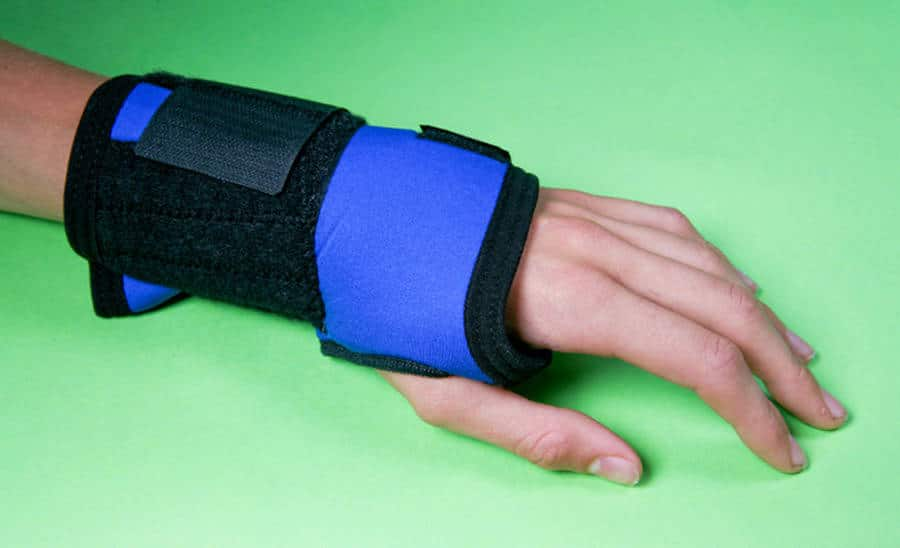 carpal tunnel syndrome, Raise Your Hand: The Effects Of Carpal Tunnel Syndrome
