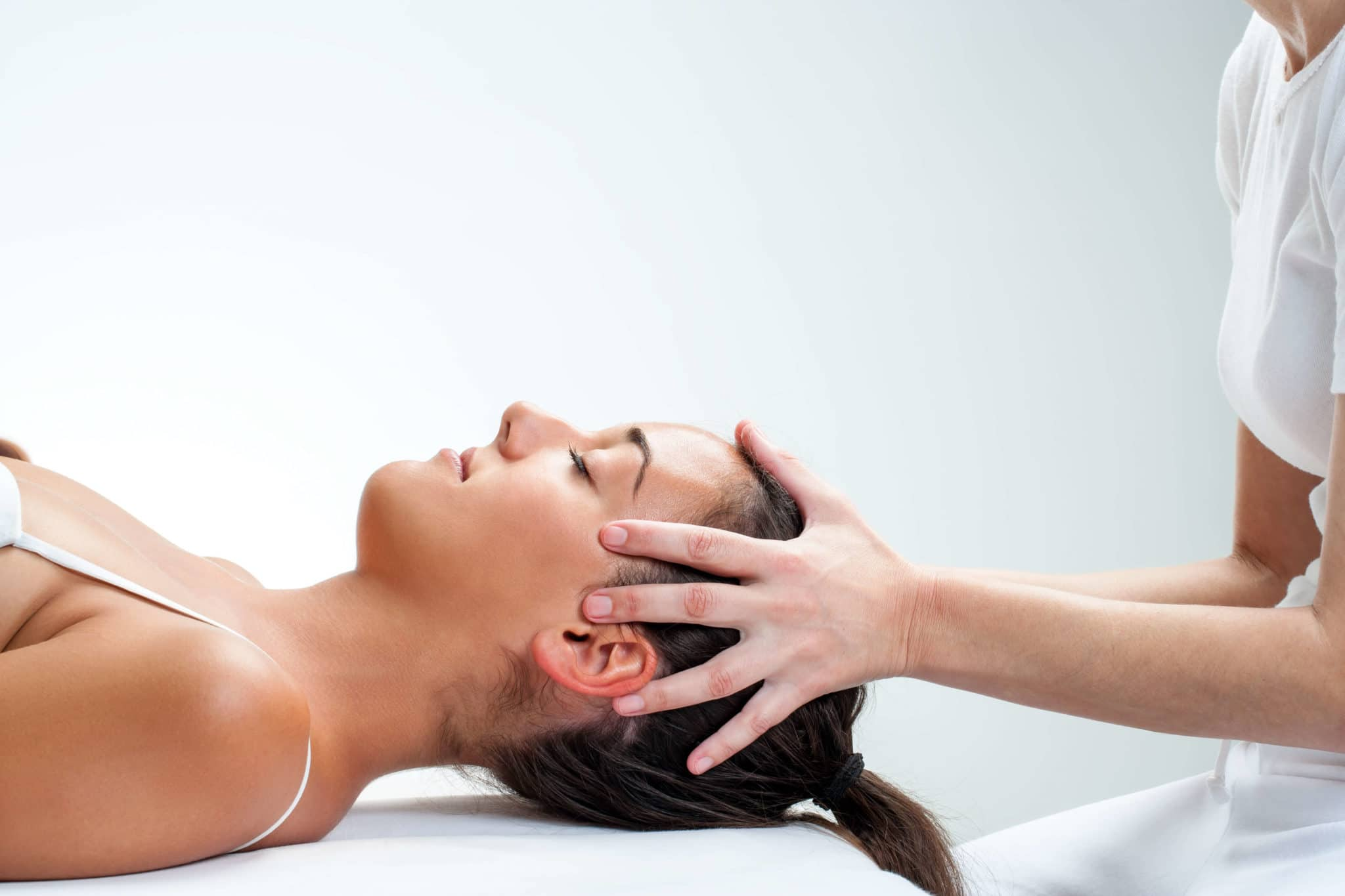 chiropractor for back pain, What Can I Expect When I Visit a Chiropractor?