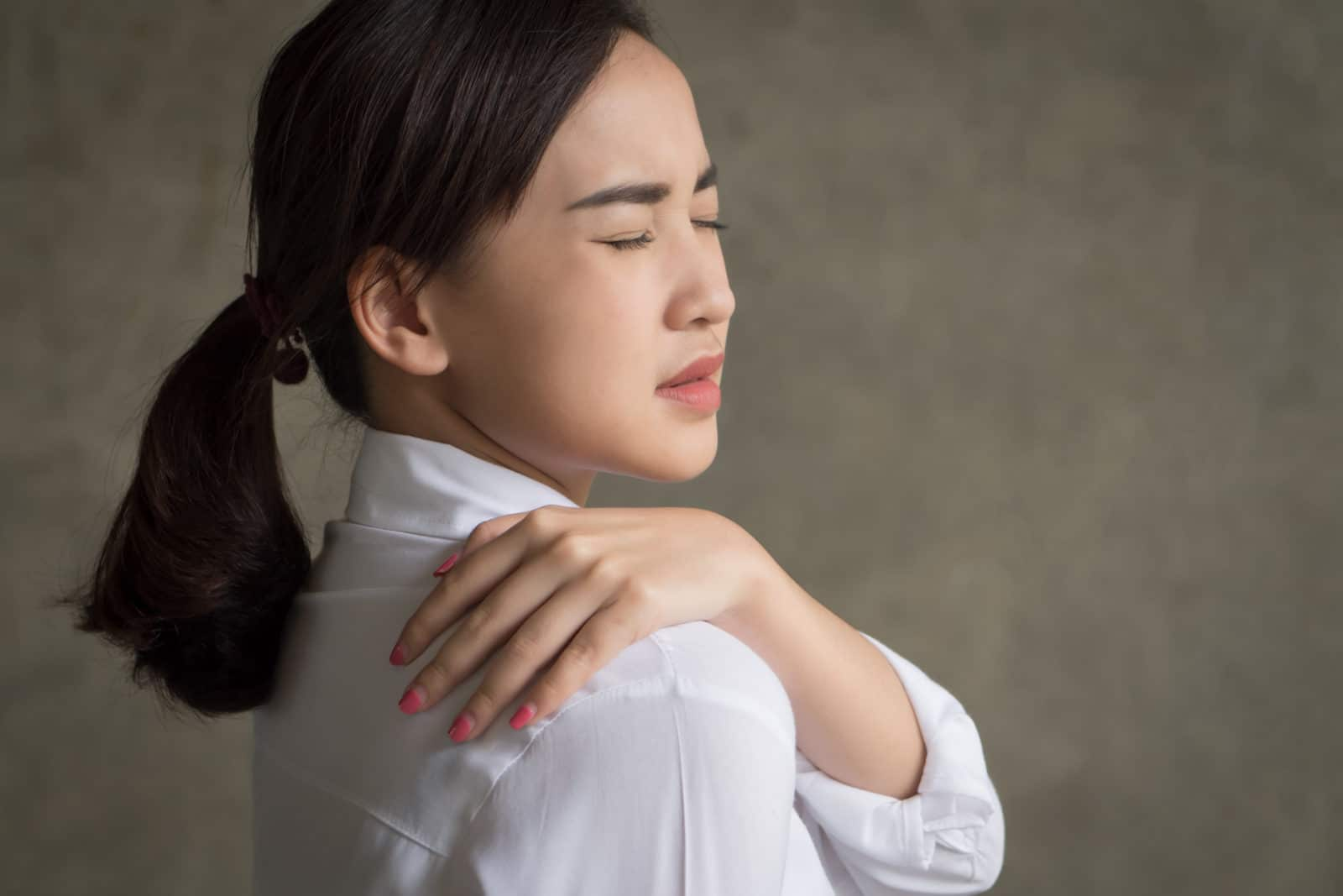 6 Common Warning Signs of Fibromyalgia