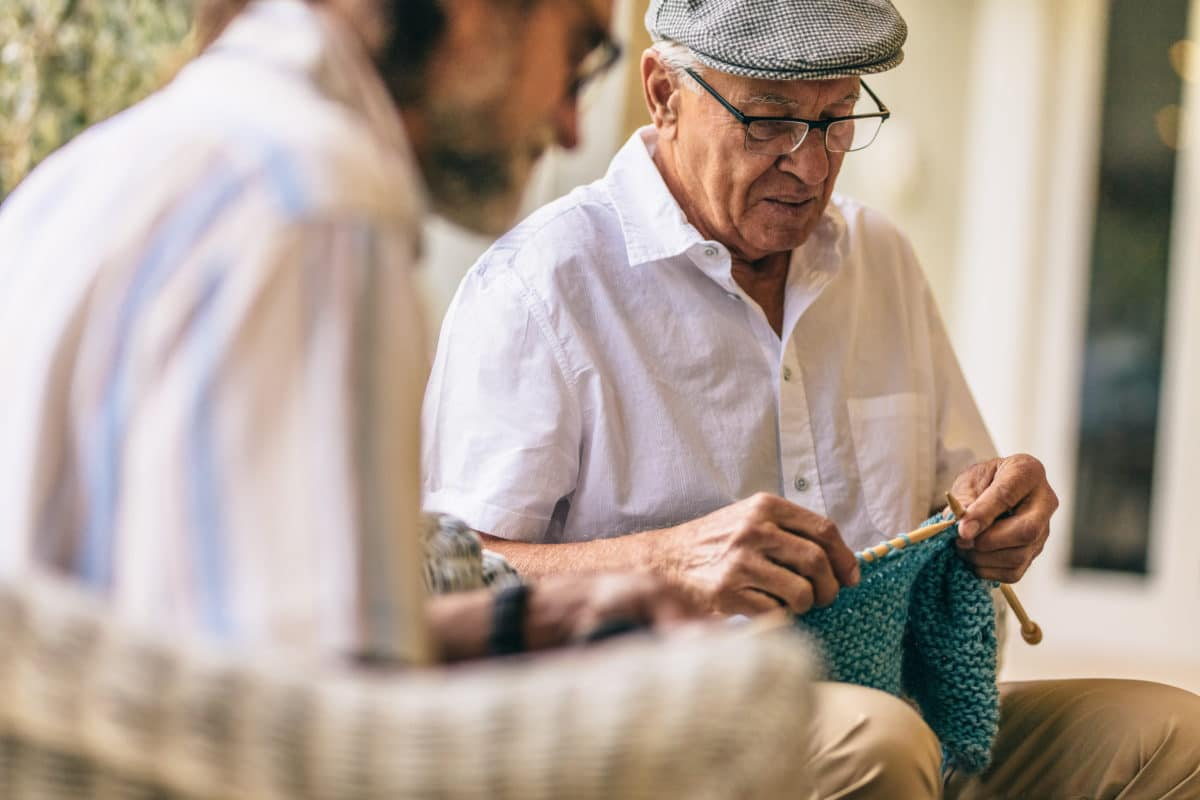 Pain-Friendly Hobbies senior man knitting