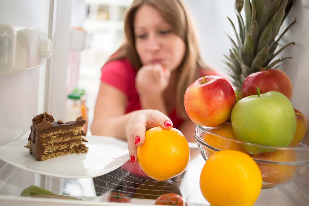 protect social life from chronic pain by practicing good eating habits