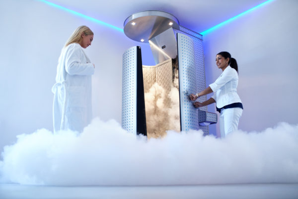 Cryotherapy for pain management cryo chamber