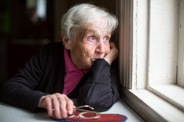 senior woman cope with Alzheimer's